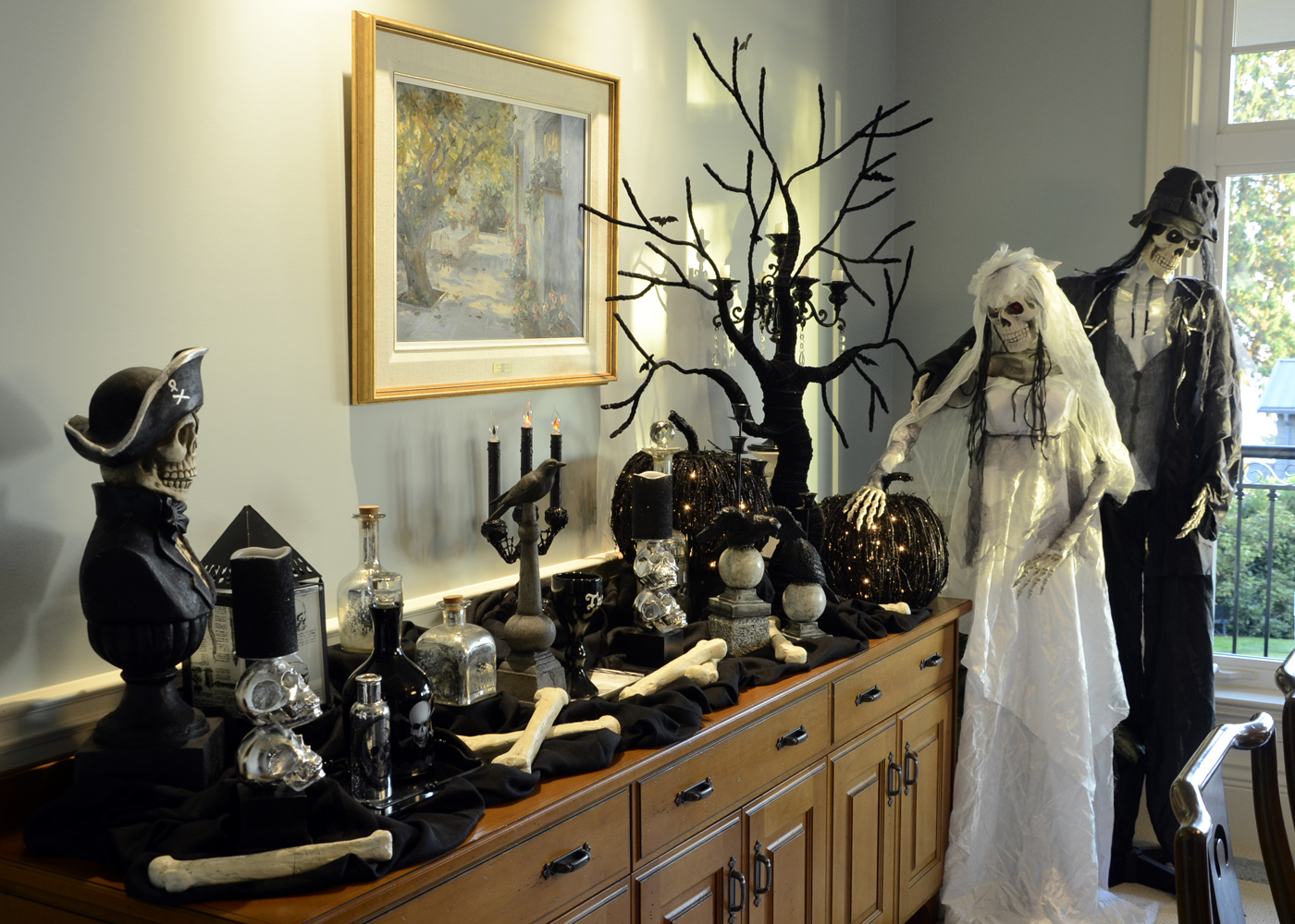Lita lane decorating our home for halloween for Haunted dining room ideas